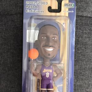 Upper Deck Play Makers 2002-2003 NBA Edition Kobe Bryant Los Angeles Lakers Bobble Head Purple Jersey for Sale in South El Monte, CA