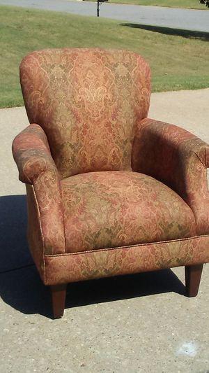 Pretty print chair for Sale in Millbrook, AL