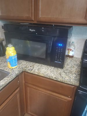 Frigidaire appliances for sell . whirlpool microwave for Sale in Lancaster, TX