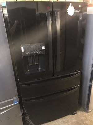 Whirlpool black 4 doors refrigerator for Sale in Columbus, OH