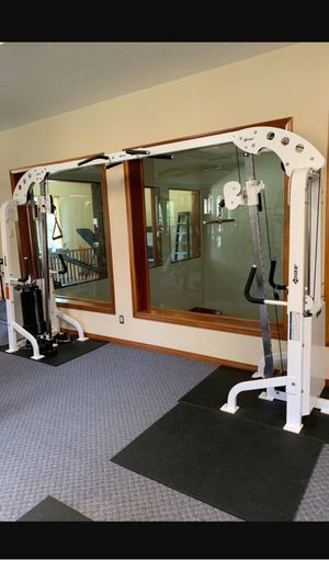 Hoist crossover cable machine/ functional trainer for Sale in Anaheim, CA