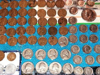 FREE SHIPPING! Great Micro Investment & Coin collectors Set . 1960s. 70 coins In All . Some Silver. All Coins Over 50 to 61 years Old. for Sale in Lemoore,  CA