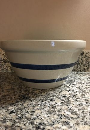 """Robinson Ransbottom 10"""" stoneware bowl - American Made in Roseville, Ohio for Sale in Westerville, OH"""