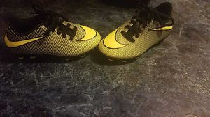 Toddler boys Nike cleats size 10 for Sale in Waterford, PA