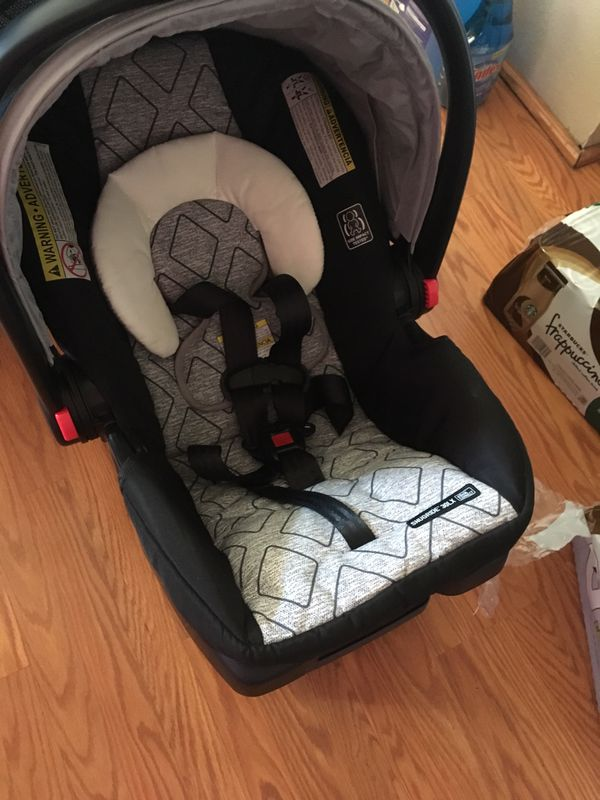 """Graco click connect stroller/car seat&base only used once, no rips Tares stains basically brand new! Car seat comes with base! """"OR BEST OFFER"""""""