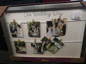 A wedding day picture frame. for Sale in Lake Elsinore, CA