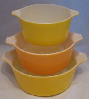3 pyrex bowls #473-74-75B for Sale in Tinley Park, IL