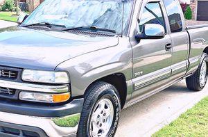 ֆ12OO 4WD CHEVY SILVERADO 4WD for Sale in Woodbine, MD