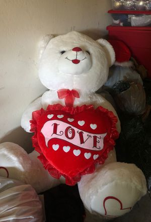 Big teddy bear for Sale in Tolleson, AZ