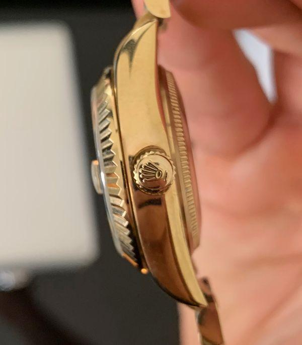 Women 38mm Gold Watch