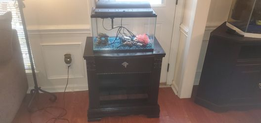 10 gallon fish tank and stand for Sale in Charlotte,  NC