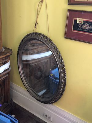Vintage Oval Wall Mirror - SELLING AS IS for Sale in New Orleans, LA