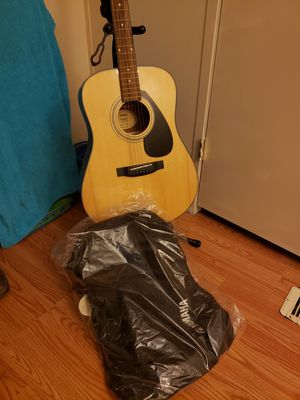 Yamaha acoustic guitar F325D for Sale in Round Rock, TX