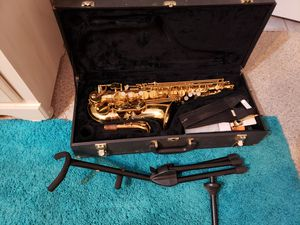 Beautiful Buffet Saxophone with stand for Sale in Scottsdale, AZ