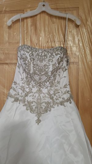 David's Bridal Wedding Dress Size 4 Brand New for Sale in Queens, NY
