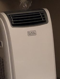 Black and decker air conditioner for Sale in Columbia,  SC