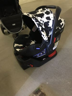 Britax 3 in 1 stroller and infant car seat for Sale in Alexandria, VA