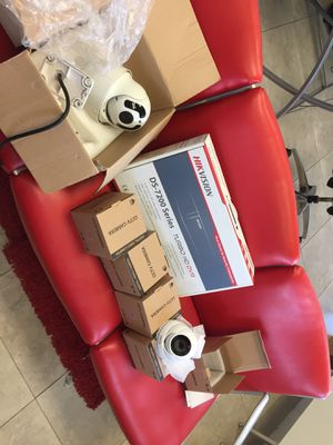 HikVision 8 ch dvr + ptz + 5 dome cameras for Sale in Deerfield Beach, FL