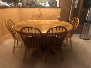 Kitchen table and 6 chairs. for Sale in Trenton, NJ