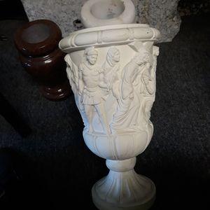 Corpus Christi Flower Vase , Regular Price $295.00 I Will Let Go For $110.00 for Sale in Katy, TX