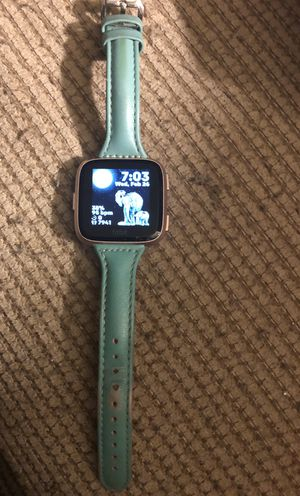 Fitbit Versa for Sale in Houston, TX
