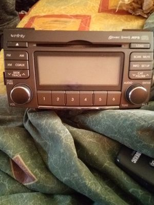 6disc cd player screen projector for Sale in Tyler, TX