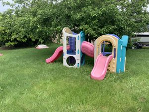 Little Tikes 8-in1 Adjustable playground for Sale in Des Moines, WA