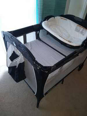 Playyard and reversible bassinet/ changer baby for Sale in Lakeland, FL