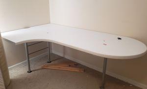 Corner desk for Sale in Apopka, FL