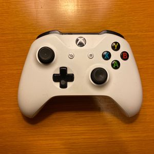 Xbox One Controller for Sale in Lynnwood, WA