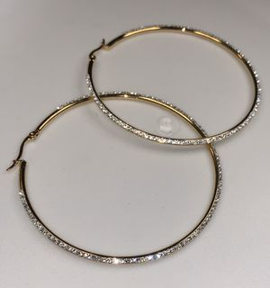 22k stainless steel earrings set with lab diamonds for Sale in Las Vegas, NV