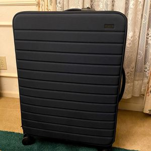 Away Large Expandable Luggage *BRAND NEW* for Sale in Missouri City, TX