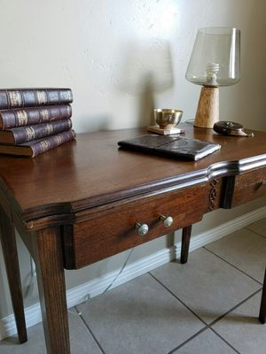 Entry table/ kitchen table for Sale in Sandy, UT