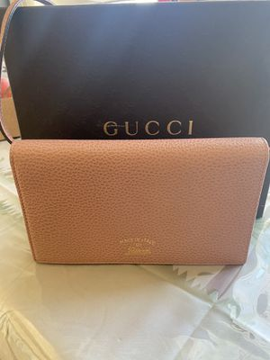 Gucci crossbody bag 100% authentic for Sale in Los Angeles, CA