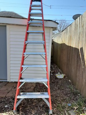 ladders good condition pls buy it I have two so I decided to sale one of them. ❤ for Sale in Saint Paul, MN