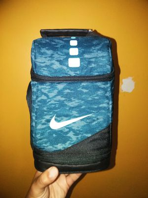 Nike elite new cooler pack for Sale in Bronx, NY