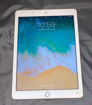iPad 6th for Sale in Chicago, IL