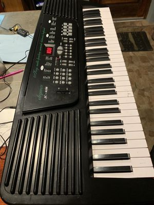 Electronic Music Keyboard for Sale in Miami, FL