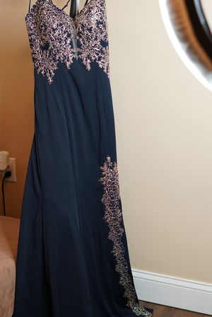 BEAUTIFUL GOWN!! PROM DRESS! for Sale in Orlando, FL