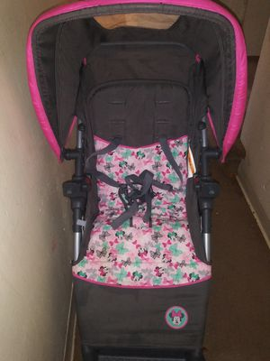 Baby swing,car seat and stroller for Sale in Columbus, OH