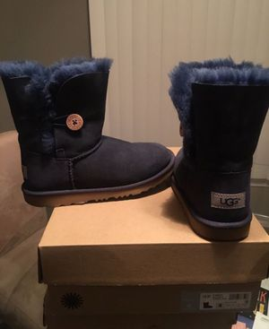 UGG Girls Boot for Sale in Southfield, MI