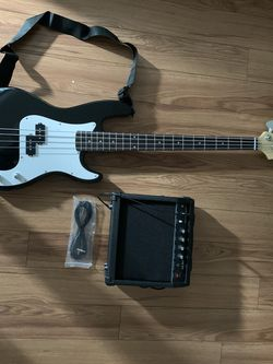 New Bass Guitar With Kit for Sale in Seattle,  WA