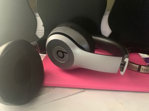 Wireless solo head phone for Sale in Warwick, RI