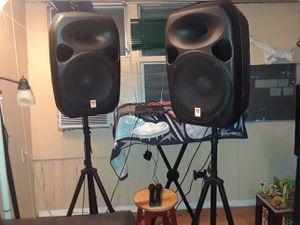 Speakers.for DJ. Rockville. Component.all incluid.with 2 inalamb microphone. And stand almost new . 1200 watts each Speakers.with .Bluetooth for Sale in Lake Worth, FL