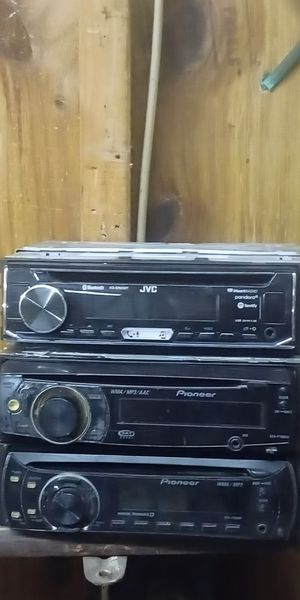 A JVC into pioneer CD players for Sale in Bunnlevel, NC