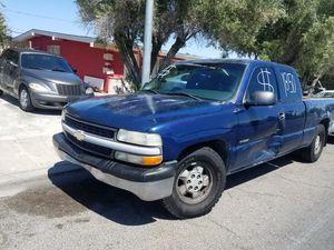 Chevy silverado 2000 for Sale in North Las Vegas, NV
