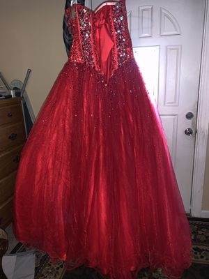 Brand new dress size 10 red Quinceanera dress for Sale in Tacoma, WA