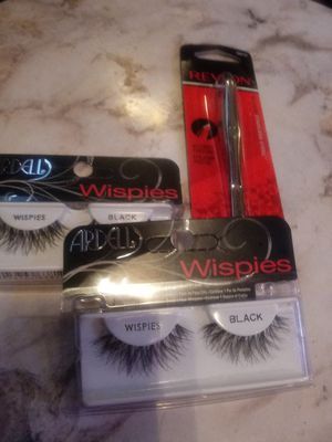 New unopened 2 lashes 1 tweezer for Sale in Tucson, AZ