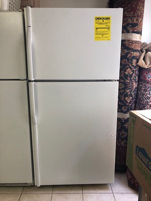 Kenmore Refrigerator for Sale in Rockville, MD