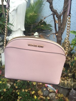 Michael kors crossbody Bag for Sale in Hawthorne, CA